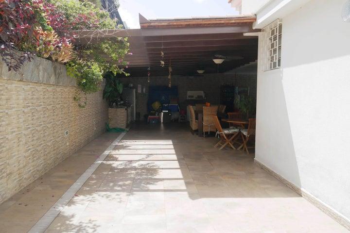Casa Distrito Metropolitano>Caracas>El Marques - Venta:280.000 Precio Referencial - codigo: 19-13232