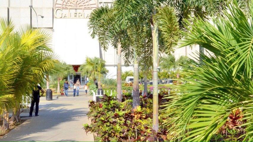 Local Comercial Zulia>Maracaibo>La Limpia - Alquiler:100 Precio Referencial - codigo: 19-7618