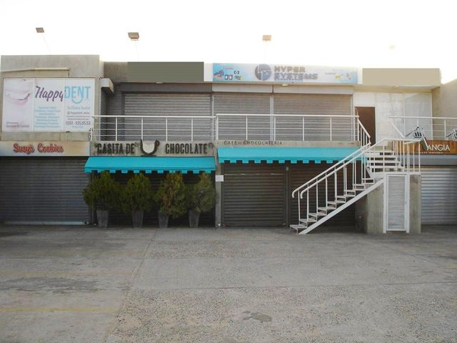 Local Comercial Zulia>Maracaibo>El Pilar - Venta:32.000 Precio Referencial - codigo: 19-13307