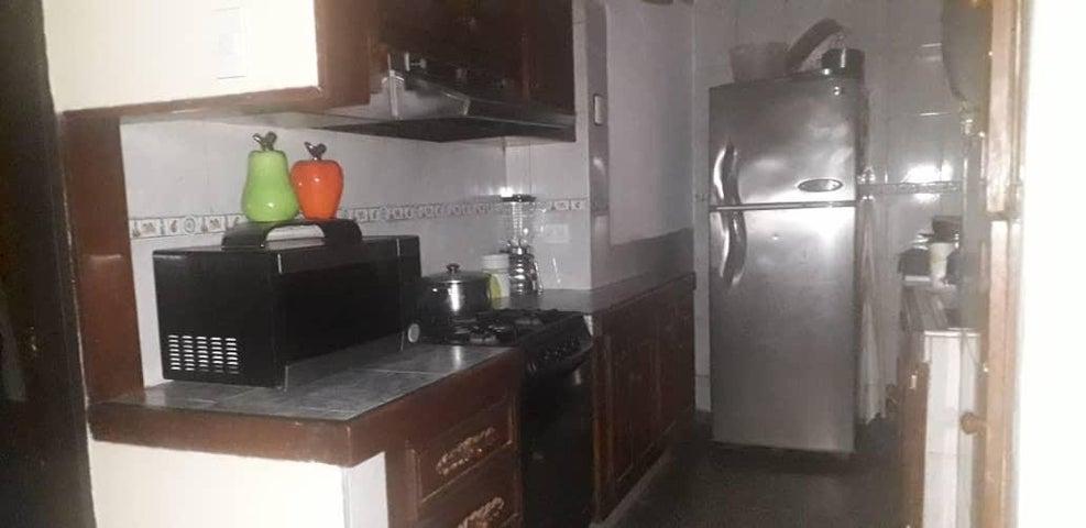 Apartamento Zulia>Municipio San Francisco>San Francisco - Venta:9.500 Precio Referencial - codigo: 19-13363