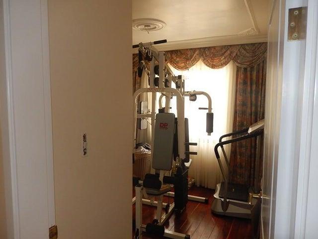 Apartamento Distrito Metropolitano>Caracas>Los Palos Grandes - Venta:370.000 Precio Referencial - codigo: 19-13371