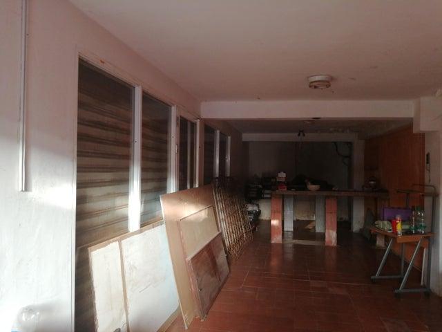 Casa Zulia>Maracaibo>Sucre - Venta:30.000 Precio Referencial - codigo: 19-13418
