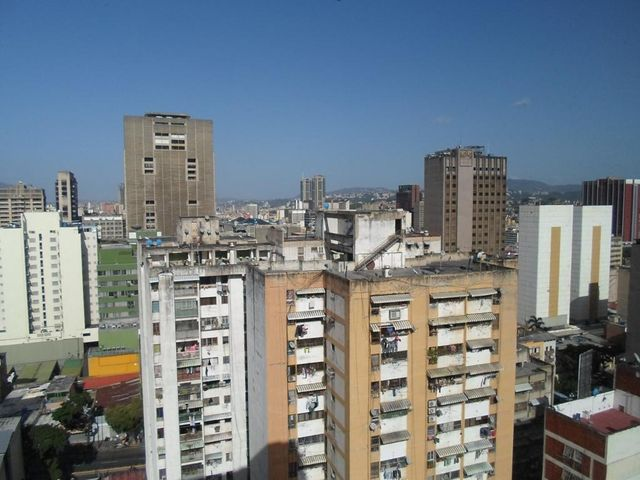 Oficina Distrito Metropolitano>Caracas>Parroquia Altagracia - Alquiler:300 Precio Referencial - codigo: 19-13414
