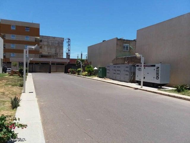 Townhouse Falcon>Punto Fijo>Los Caciques - Venta:74.000 Precio Referencial - codigo: 19-13422