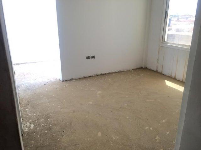 Townhouse Falcon>Punto Fijo>Puerta Maraven - Venta:35.000 Precio Referencial - codigo: 19-13423