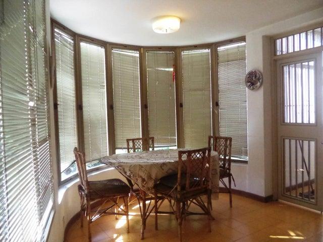 Casa Distrito Metropolitano>Caracas>Colinas del Tamanaco - Venta:550.000 Precio Referencial - codigo: 19-13429
