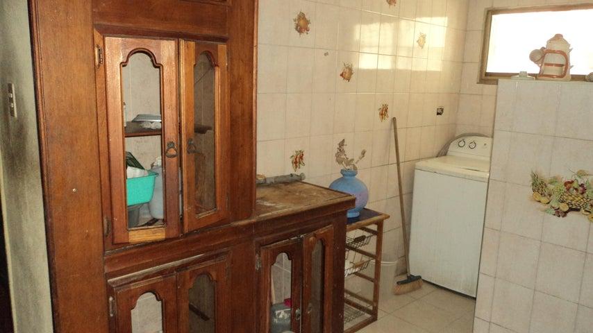 Apartamento Lara>Barquisimeto>Avenida Libertador - Venta:25.000 Precio Referencial - codigo: 19-13495