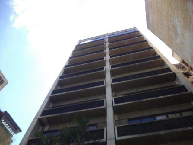 Local Comercial Distrito Metropolitano>Caracas>Los Dos Caminos - Venta:60.000 Precio Referencial - codigo: 19-13485