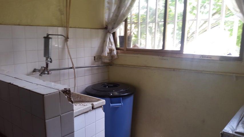 Apartamento Distrito Metropolitano>Caracas>Caricuao - Venta:13.650 Precio Referencial - codigo: 19-13834