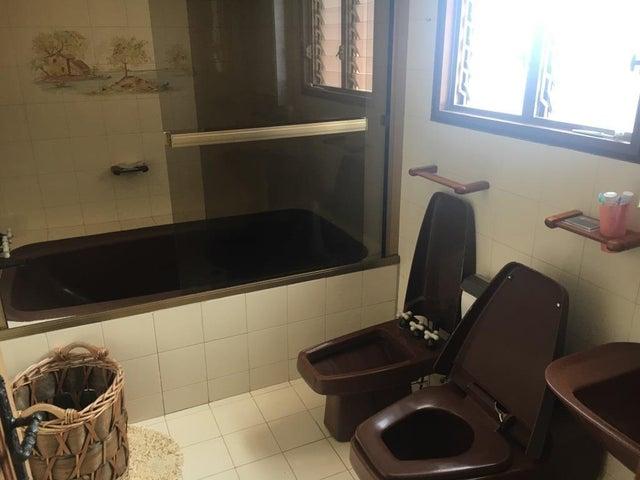 Apartamento Distrito Metropolitano>Caracas>Miranda - Venta:110.000 Precio Referencial - codigo: 19-13536