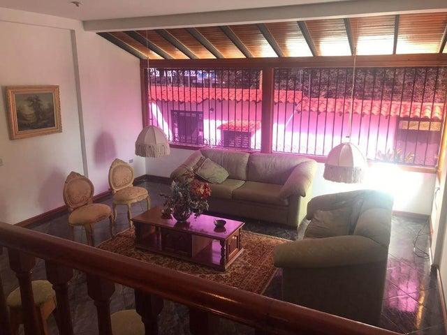 Casa Merida>Merida>Avenida Universidad - Venta:450.000 Precio Referencial - codigo: 19-13627