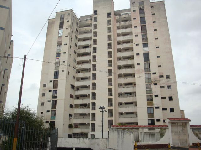 Apartamento Distrito Metropolitano>Caracas>Los Chaguaramos - Venta:40.000 Precio Referencial - codigo: 19-13647