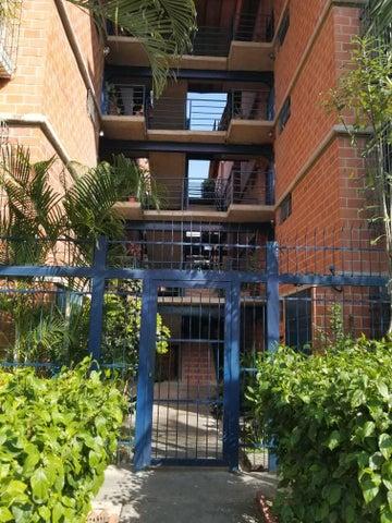 Apartamento Miranda>Guarenas>Nueva Casarapa - Venta:8.300 Precio Referencial - codigo: 19-13801