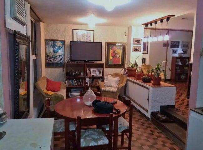 Apartamento Zulia>Maracaibo>5 de Julio - Venta:18.000 Precio Referencial - codigo: 19-13827