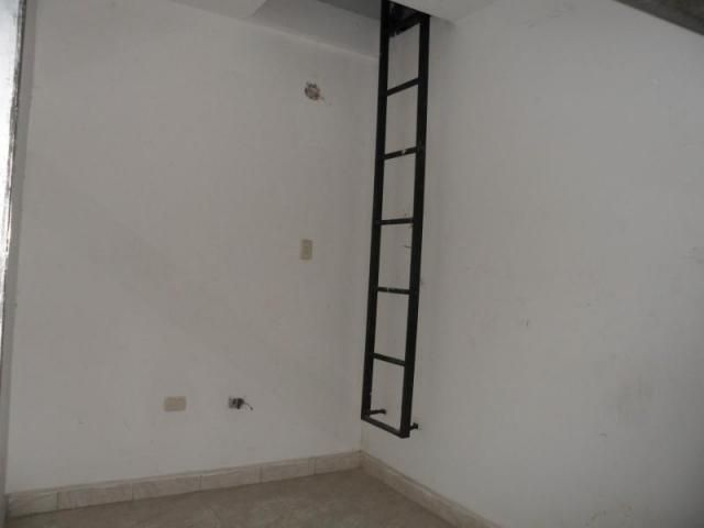 Local Comercial Carabobo>Valencia>Avenida Lara - Venta:1.500 Precio Referencial - codigo: 19-13842