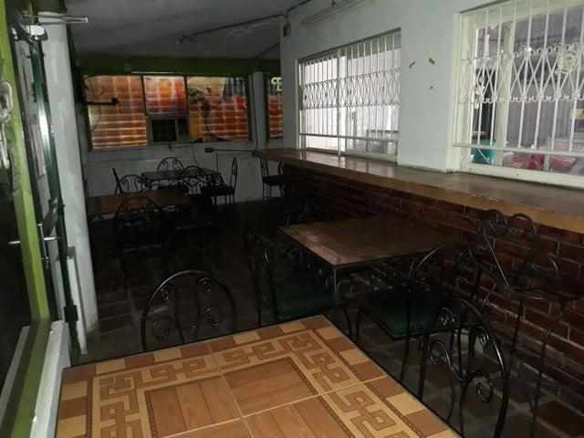 Local Comercial Zulia>Ciudad Ojeda>Intercomunal - Venta:15.000 Precio Referencial - codigo: 19-13888