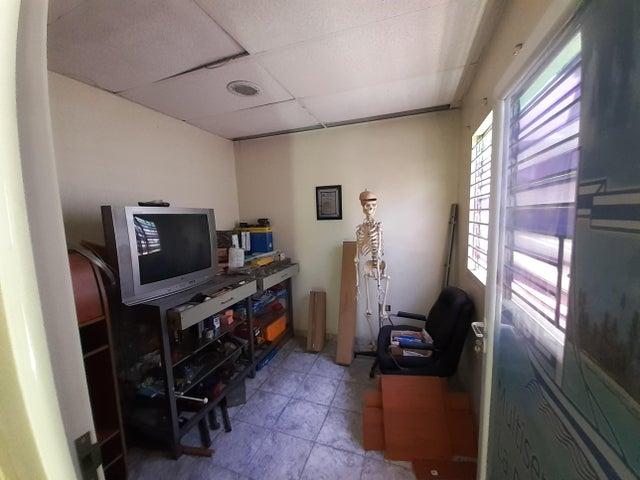 Galpon - Deposito Lara>Barquisimeto>Centro - Venta:150.000 Precio Referencial - codigo: 19-13988