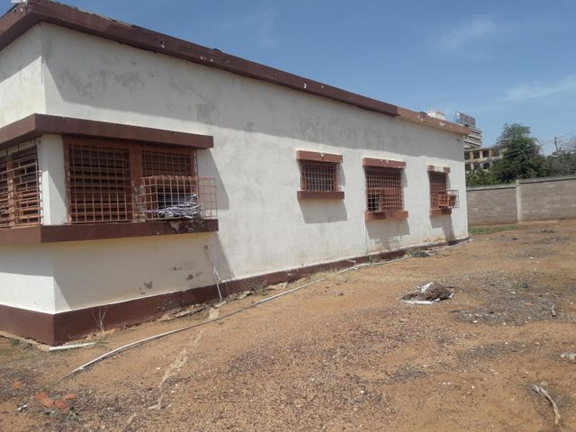 Galpon - Deposito Zulia>Maracaibo>Los Haticos - Venta:80.000 Precio Referencial - codigo: 19-14031