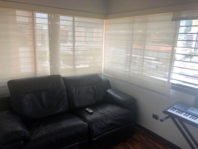Apartamento Distrito Metropolitano>Caracas>Los Dos Caminos - Alquiler:1.900 Precio Referencial - codigo: 19-14074