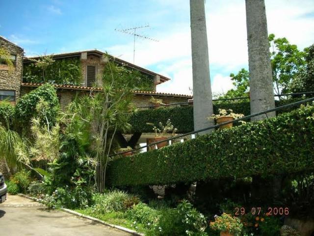 Casa Distrito Metropolitano>Caracas>Paracotos - Venta:350.000 Precio Referencial - codigo: 19-14088