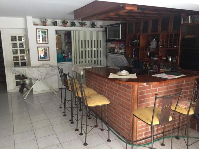 Townhouse Distrito Metropolitano>Caracas>Los Naranjos del Cafetal - Venta:190.000 Precio Referencial - codigo: 19-14117