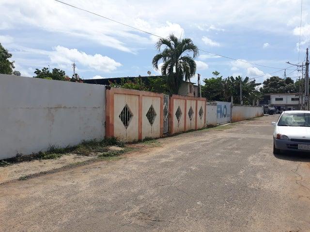 Terreno Zulia>Ciudad Ojeda>La N - Venta:13.000 Precio Referencial - codigo: 19-14271