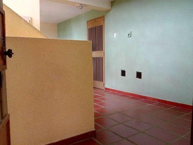 Apartamento Zulia>Maracaibo>Avenida Goajira - Venta:8.000 Precio Referencial - codigo: 19-14218