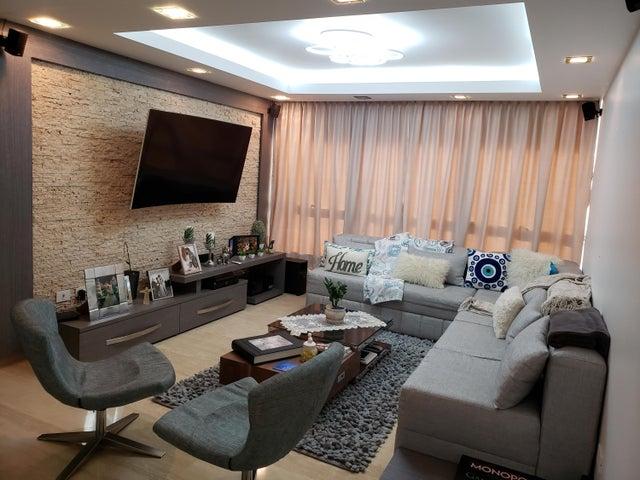 Apartamento Distrito Metropolitano>Caracas>Lomas de Las Mercedes - Venta:300.000 Precio Referencial - codigo: 19-14261