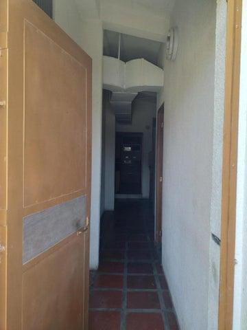 Apartamento Zulia>Maracaibo>Belloso - Venta:23.000 Precio Referencial - codigo: 19-14305