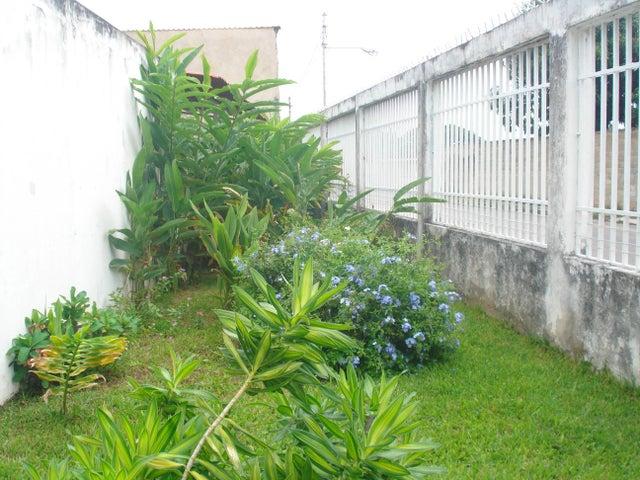 Casa Aragua>Maracay>Los Samanes - Venta:19.000 Precio Referencial - codigo: 19-14370
