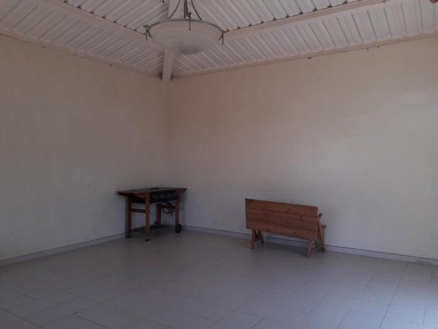 Apartamento Zulia>Maracaibo>Veritas - Venta:16.500 Precio Referencial - codigo: 19-14379