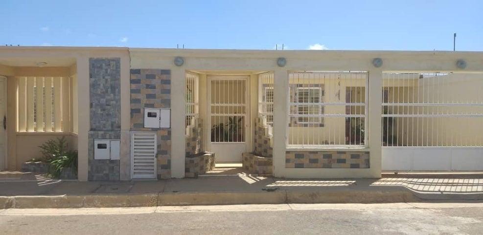 Casa Falcon>Punto Fijo>Pedro Manuel Arcaya - Venta:15.000 Precio Referencial - codigo: 19-14411