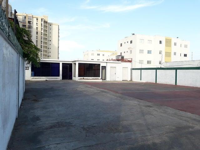 Local Comercial Zulia>Maracaibo>Pueblo Nuevo - Venta:35.000 Precio Referencial - codigo: 19-14419