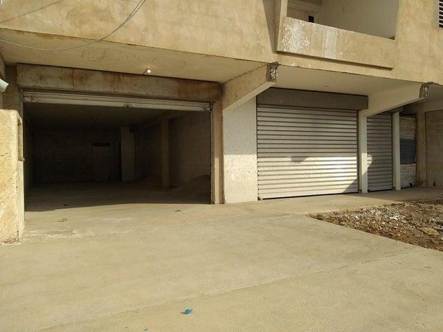 Local Comercial Zulia>Cabimas>Carretera H - Venta:26.000 Precio Referencial - codigo: 19-14441