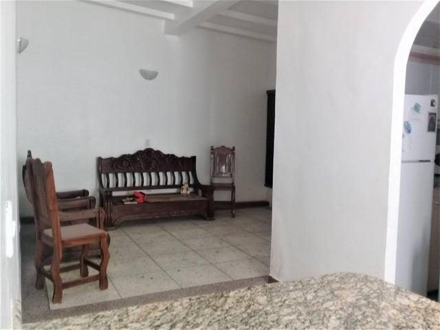 Casa Aragua>Maracay>El Limon - Venta:23.500 Precio Referencial - codigo: 19-14439