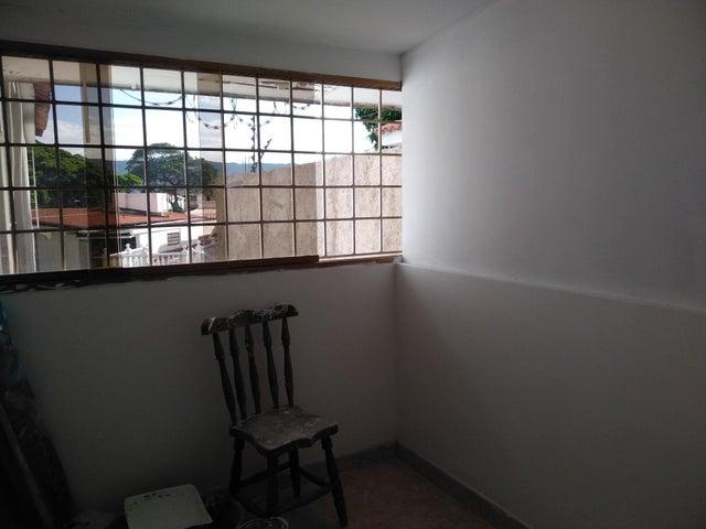 Anexo Distrito Metropolitano>Caracas>Colinas de las Acacias - Alquiler:195 Precio Referencial - codigo: 19-14465