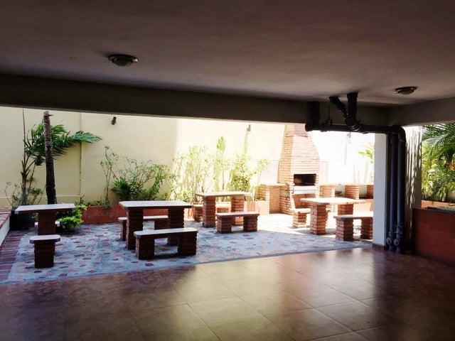 Apartamento Lara>Barquisimeto>Del Este - Venta:35.000 Precio Referencial - codigo: 19-14488
