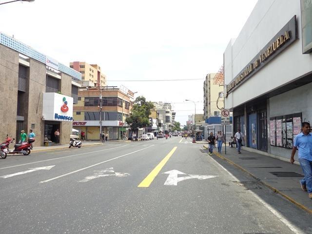 Local Comercial Lara>Barquisimeto>Parroquia Concepcion - Venta:120.000 Precio Referencial - codigo: 19-14561