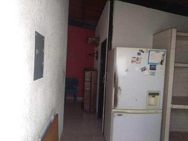 Casa Lara>Barquisimeto>Parroquia Santa Rosa - Venta:17.000 Precio Referencial - codigo: 19-14562