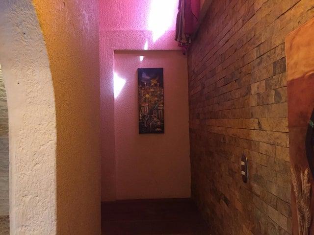 Casa Lara>Cabudare>Prados del Golf - Venta:28.000 Precio Referencial - codigo: 19-14585