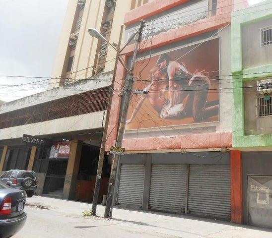 Edificio Aragua>Maracay>Zona Centro - Venta:135.000 Precio Referencial - codigo: 19-14588