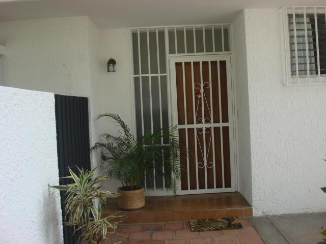Casa Distrito Metropolitano>Caracas>Santa Fe Norte - Venta:250.000 Precio Referencial - codigo: 19-14725