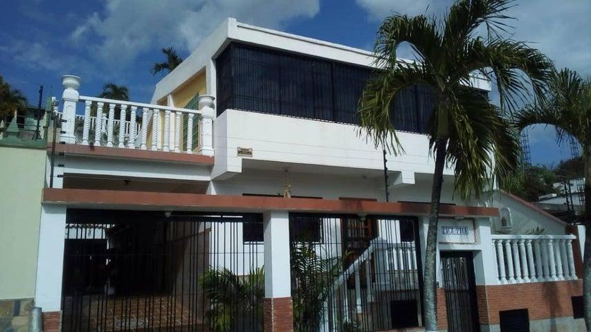 Casa Miranda>Charallave>Santa Rosa de Charallave - Venta:85.000 Precio Referencial - codigo: 19-14594