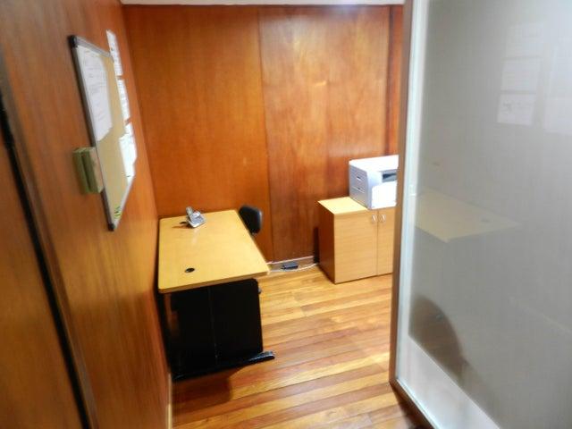 Oficina Distrito Metropolitano>Caracas>Prado Humboldt - Alquiler:250 Precio Referencial - codigo: 19-14595