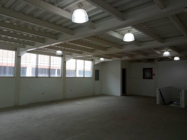 Local Comercial Carabobo>Valencia>La Pastora - Alquiler:600 Precio Referencial - codigo: 19-14691