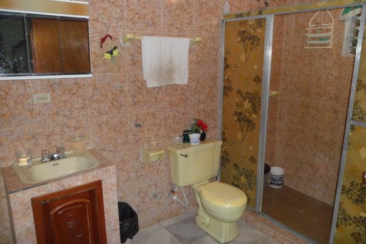 Casa Zulia>Maracaibo>La Victoria - Venta:15.000 Precio Referencial - codigo: 19-14727