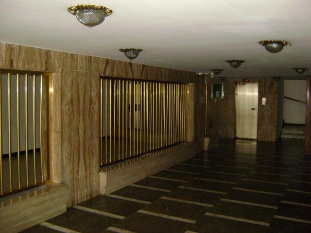 Apartamento Distrito Metropolitano>Caracas>El Marques - Venta:65.000 Precio Referencial - codigo: 19-14744