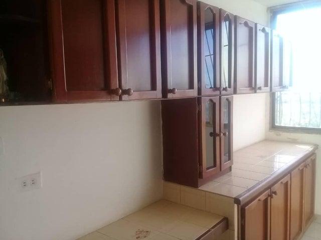 Apartamento Zulia>Maracaibo>El Milagro - Venta:18.000 Precio Referencial - codigo: 19-14692