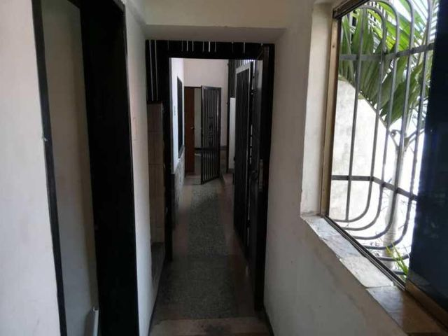 Local Comercial Distrito Metropolitano>Caracas>Catia - Alquiler:400 Precio Referencial - codigo: 19-14709