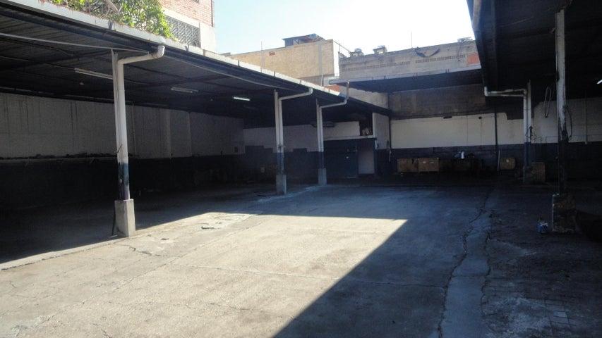 Galpon - Deposito Distrito Metropolitano>Caracas>Boleita Sur - Venta:700.000 Precio Referencial - codigo: 19-14716